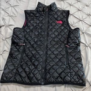 Authentic The North Face Black/Pink Vest